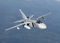 ニュース画像:Su-24フェンサー、Mi-26が吊下げてパトリオットパークに空輸