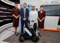 ニュース画像:エティハド航空、アブダビ空港で日本企業の自律走行型車椅子を試験導入