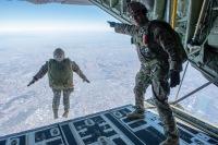 ニュース画像:横田基地、9月23日から27日までC-130Jで人員降下訓練