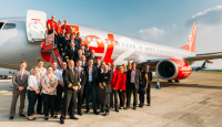 ニュース画像:ジェット・ツー、TTGトラベルアワードで最も活躍した航空会社に選定