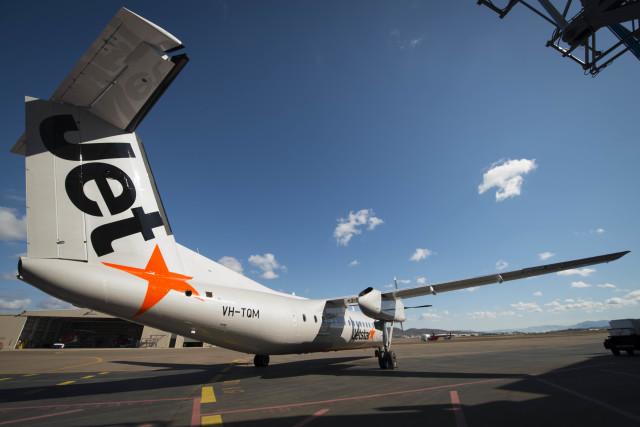 ニュース画像 1枚目:ジェットスター DHC-8-300