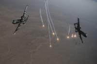 ニュース画像:中東の空で睨みを効かすA-10サンダーボルトⅡ