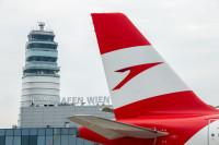 ニュース画像:オーストリア航空、ウィーン空港で搭乗者サポートに「ペッパー」試験導入