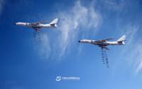 ニュース画像:多国籍軍事演習「ツェントル2019」、中国空軍H-6Kが爆弾投下