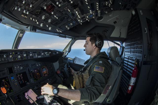 ニュース画像 1枚目:P-8Aポセイドンのコクピット