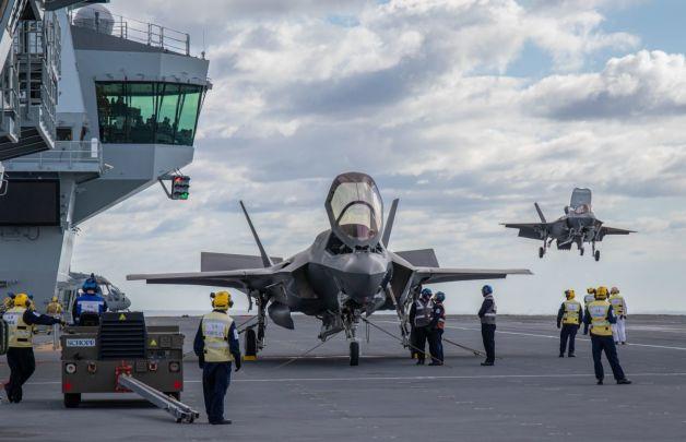 ニュース画像 1枚目:RAF F-35Bとクイーン・エリザベス