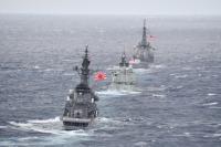ニュース画像:海自、観艦式参加で訪日した4カ国の海軍艦艇と関東南方海空域で訓練
