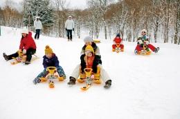ニュース画像 1枚目:雪遊びイメージ