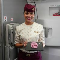 ニュース画像:カタール航空、乳がん意識向上月間をPRする特別フライトを運航