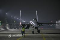 ニュース画像:夜間でも短時間が離陸出来るJ-11戦闘機