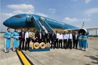 ニュース画像:ベトナム航空、100機目受領で歓迎式典 区切りの機体は787-10