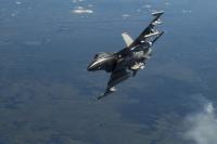 ニュース画像:三沢基地のF-16、模擬弾投下訓練を中止 指定範囲外への落下事案