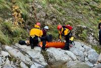 ニュース画像 2枚目:救助活動