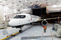 ニュース画像:エア・カナダ向けの最初のA220、塗装工場から出場