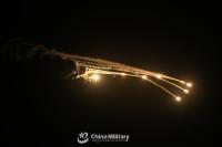 ニュース画像:中国陸軍、輸送や攻撃ヘリコプターが日の出から深夜まで活動中