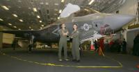 ニュース画像:アメリカ空軍のパイロット、F-35Bで初めて飛行