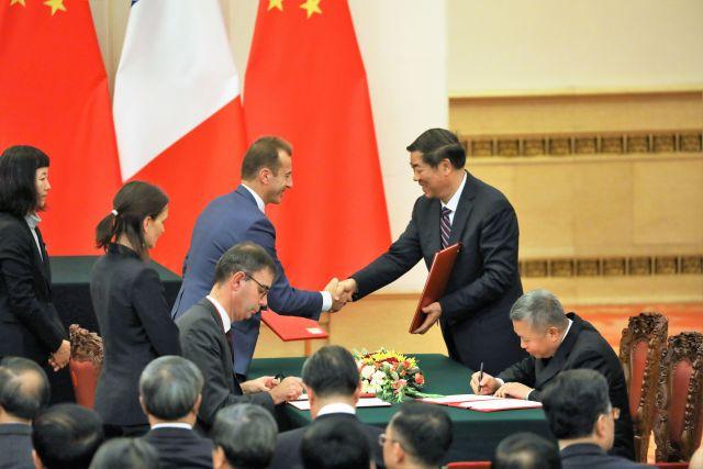 ニュース画像 1枚目:中国で開催された調印式