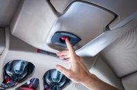 ニュース画像:シーラスのビジョン・ジェット、乗客がボタン1つで自動着陸する安全機能