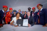 ニュース画像:エンブラエル、エア・ピースとE195-E2を3機 追加契約に署名
