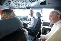 ニュース画像:ローマ法王、アジア訪問でタイへ出発 11月23日に羽田到着