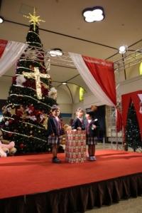 ニュース画像:長崎空港、12月25日までクリスマス装飾 展望デッキの装飾は3月まで