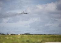 ニュース画像:アメリカ空軍B-52、ハワイの爆弾投下演習で19.5時間をフライト
