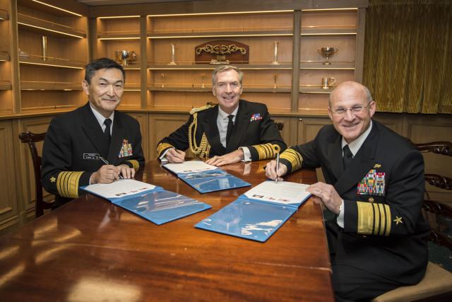 ニュース画像 1枚目:日米英3カ国海軍種参謀長級協議
