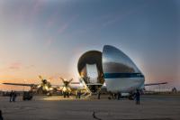 ニュース画像:スーパーグッピー、宇宙船「オリオン」を輸送