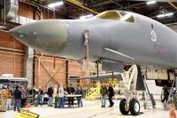 ニュース画像:B-1Bランサー、ティンカー空軍基地で機体寿命延長の修理開始