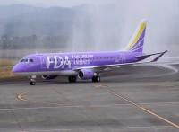 ニュース画像:フジドリームエアラインズ、バイオレットの16号機が静岡に到着