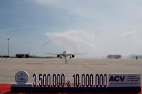 ニュース画像:ベトジェットエア、ニャチャン線の搭乗者数1,000万人突破に寄与