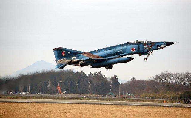 ニュース画像 1枚目:百里基地を離陸する47-6901