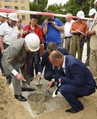 ニュース画像:アントノフ・エアラインズ、次の世代へタイムカプセルを埋める