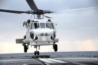 ニュース画像:第22航空群のSH-60J、護衛艦「まつゆき」で発着艦集合訓練
