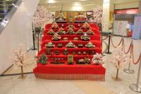 ニュース画像:函館空港で恒例のひな人形展示、最終日の3月8日には立礼茶席を開催