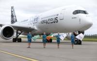 ニュース画像:A350 XWB、ダブリンに初着陸 リース会社AerCapが新たに100名募集で