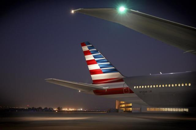 ニュース画像 1枚目:アメリカン航空 777-200