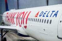 デルタ、9万人以上の従業員の名前を記載した「サンキュー」特別塗装機の画像