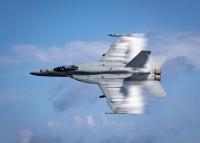 マーベリック「愛機」F/A-18E、ブルーエンジェルズへの画像