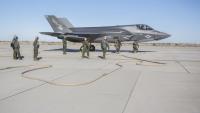 F-35B、5分で空に復帰の画像