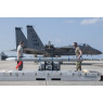 ニュース画像 2枚目:普天間基地でF-15Cへの再武装の様子