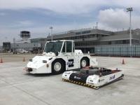 ニュース画像:NHK BS「ウルトラ重機」、空港のサービサーやトーイングタグを紹介