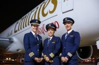ニュース画像:エミレーツ、女性パイロットが世界4大陸に貨物機を運航する動画を公開
