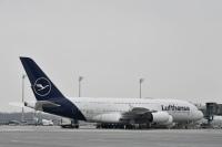 ニュース画像:ルフトハンザ、運航を最大50%削減 A380の運航停止も検討