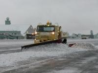 ニュース画像: NHK BS「COOL JAPAN」、空港の除雪集団を紹介