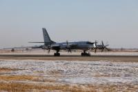 ニュース画像:ロシア空軍のTu-95MS、日本海と太平洋を飛行 空自がエスコート