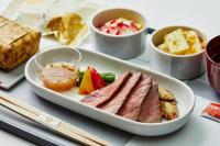 ニュース画像:JAL、4月の国内線ファースト機内食は山口県の美食 ふぐの煮こごり等