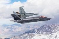 海兵隊初のF-35C飛行隊VFMA-314、移行訓練から5カ月の画像