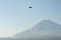 ニュース画像:36ASのC-130J、富士演習場で物資投下訓練