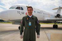 ニュース画像:アルゼンチン空軍フォッカーF28、新型コロナ対策で人工呼吸器など空輸